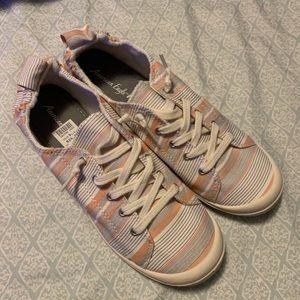 👟 American eagle Sneakers!